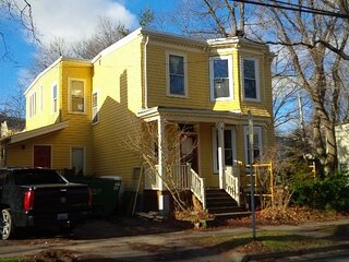 1 Bdrm Executive Airbnb Loc Downtown Halifax