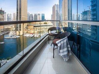 Spacious Studio with Incredible Marina Views