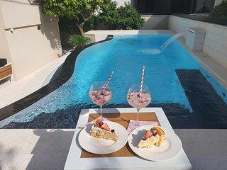 Calypso Royal Apartment 4+2 - in luxury villa, quiet neighbourhood of Zadar
