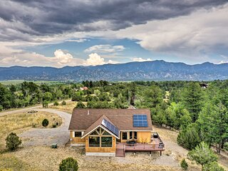 NEW! Serene Escape: 360 Mtn View & On-Site Hiking!