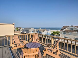 NEW! Luxury Long Beach Condo w/ Rooftop & Views!