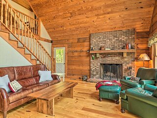 NEW! Spacious Cabin on Lake Lanier!