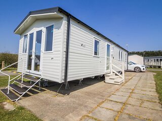 Brilliant caravan for hire at Skipsea Sands Holiday Park ref 41012F