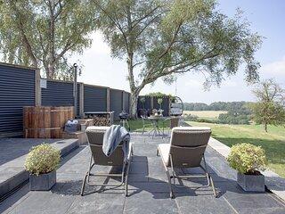 The Bolt - An industrial chic barn conversion perfect with couples complete with