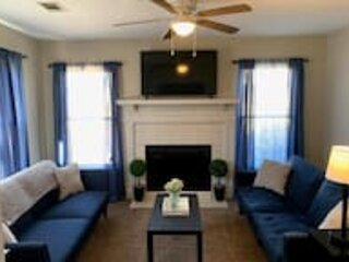 The Parkside Townhome Updated, Smoking Allowed, vacation rental in Columbus