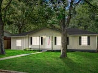 Boswell Bungalow-Large Yard-Pets-Wifi, vacation rental in New Market