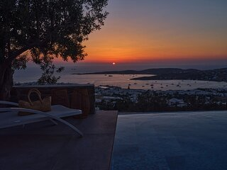 Infinity sea view cosy villa with private pool