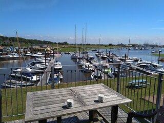 The Moorings, 3 Bedroom 2 Bathroom Holiday Rental With Bembridge Marina Views
