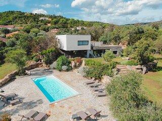 Villa 18, 400m2, piscine, salle de cinema, salle de sport, plage & golf a 2 min.