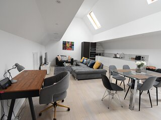 Northside Apartments Ealing - Deluxe Two Bedroom