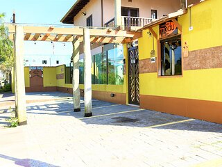 apartamento com ar , varanda, churrasqueira, cafe da manha, piscina, cozinha