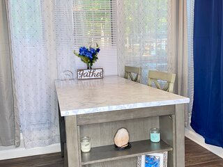 Clean comfortable & Cozy Blue House