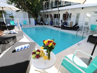 Quiet Miami Beach Escape, Apartment-Style, Beach