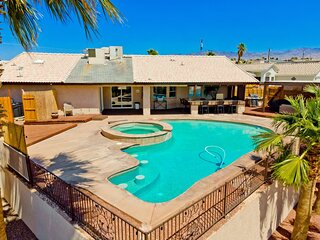 Beautiful Pool Home, Amazing Location and Views!!