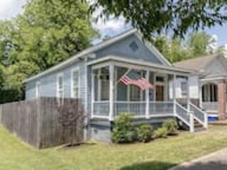 Americana Cottage Closest Historic BnB to Benning, vacation rental in Columbus