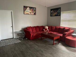 Private Master room in luxury 2/2 condo