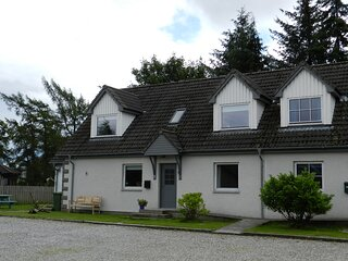 Rowanlea, Modern, spacious house in Newtonmore