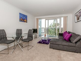 Ipswich Marina Retreat- A lovely apartment on the Marina by Catchpole Stays