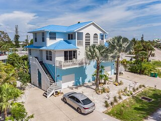 Sunset Views + Steps From The Beach-1255