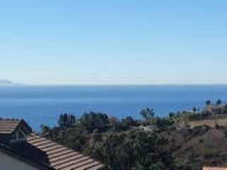 Gorgeous Mediterranean canyon home with spa bathroom and OCEAN VIEWS