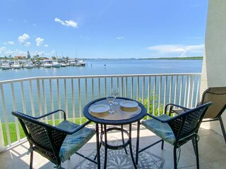 Stunning Waterfront Views of the Bay. Heated Bayside Pool and Hot Tub. Near John