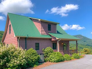 BLUFF MOUNTAIN VIEW - ENJOY LONG RANGE VIEWS FROM THIS 3BR/3BA HOME