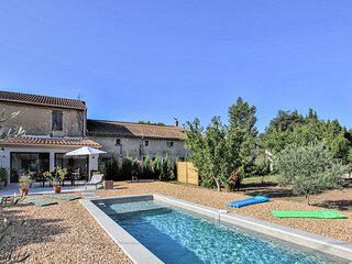 Awesome home in St Remy de Provence with Outdoor swimming pool, WiFi and 3 Bedr