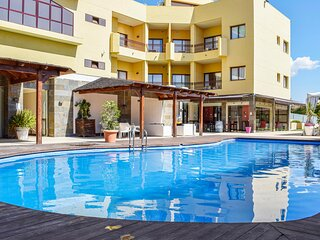 Nice apartment in Mazarrón with Outdoor swimming pool, WiFi and 2 Bedrooms (ECC