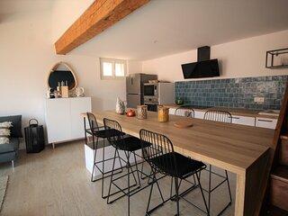 Appartement de standing, 6 personnes, climatisé et proche du port