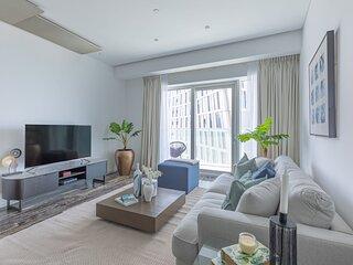 Impressive 1BR Apartment with Marina Views!