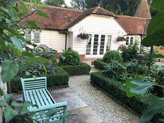 Cottage, Hadlow