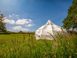 Stunning 1-Bed Star Gazing Bell Tent Loughborough
