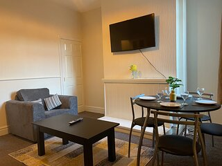 Spacious home in Doncaster nr city centre/train st