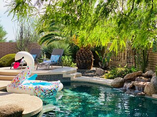 Desert Paradise★Heated Pool w/ Waterfall★Hot Tub★