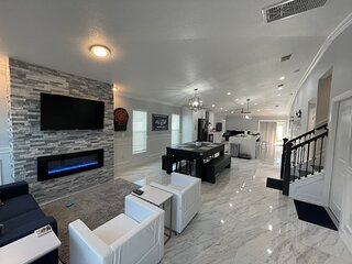 BRAND NEW Beauty Entire House - CLEAN- heated POOL