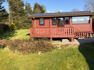Snowdonia Log Cabin with 2 beds w/ private garden