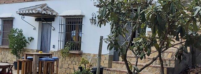 Vakantie huis in het prachtige witte dorpje Riogordo met fantastische vieuw, holiday rental in Villanueva del Rosario