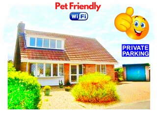 Fabulous Pet Friendly Holiday Cottage near Beach & Skegness - Free Parking !