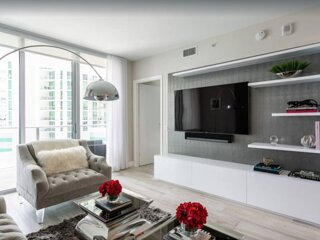 Beautifully remodeled condo in the heart of Brickell!