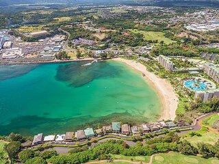 Garden Island Escape! Comfy 2BR Suite, Pool, Tennis, Parking