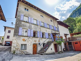 Nice home in LASTEBASSE with WiFi and 4 Bedrooms (IVA022)