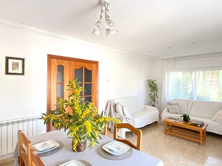 Platja d'Aro 5min walk from the beach with Terrace. 100m2 apartment WIFI 4people