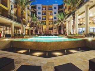 NEW! Posh Med Center flat w/ king | 30+ amenities