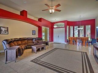 NEW! Orange City Family Home on Lake with Lanai!