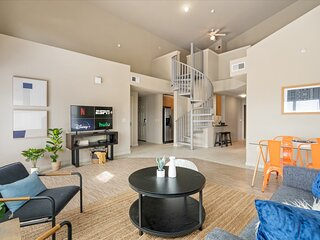 Perfect West Campus Location in this Spacious Apartment with Patio