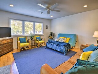 NEW! Oak Island Cottage: Minutes to Long Beach!