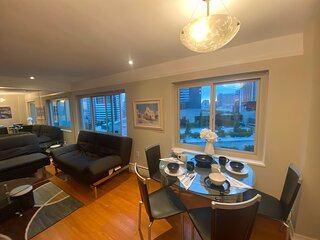 2 bedroom Penthouse downtown Seattle Free parking