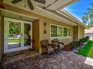 Fido Friendly w/Fenced Yard, Spa/Swimming Pool,  Wifi, Large Ranch Home, Large L