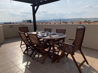 Fantastic 2 bedroom/2 bathroom penthouse with roof garden and wifi