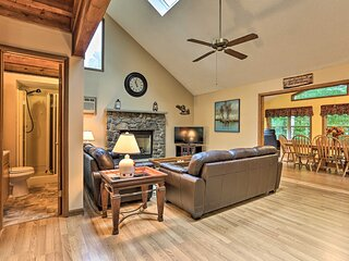 NEW! Lake Ariel Family Retreat with Pool Access!